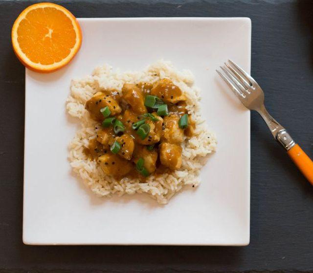 Orangen-Ingwer-Huhn auf Reis